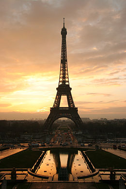 260px-Tour_eiffel_at_sunrise_from_the_trocadero