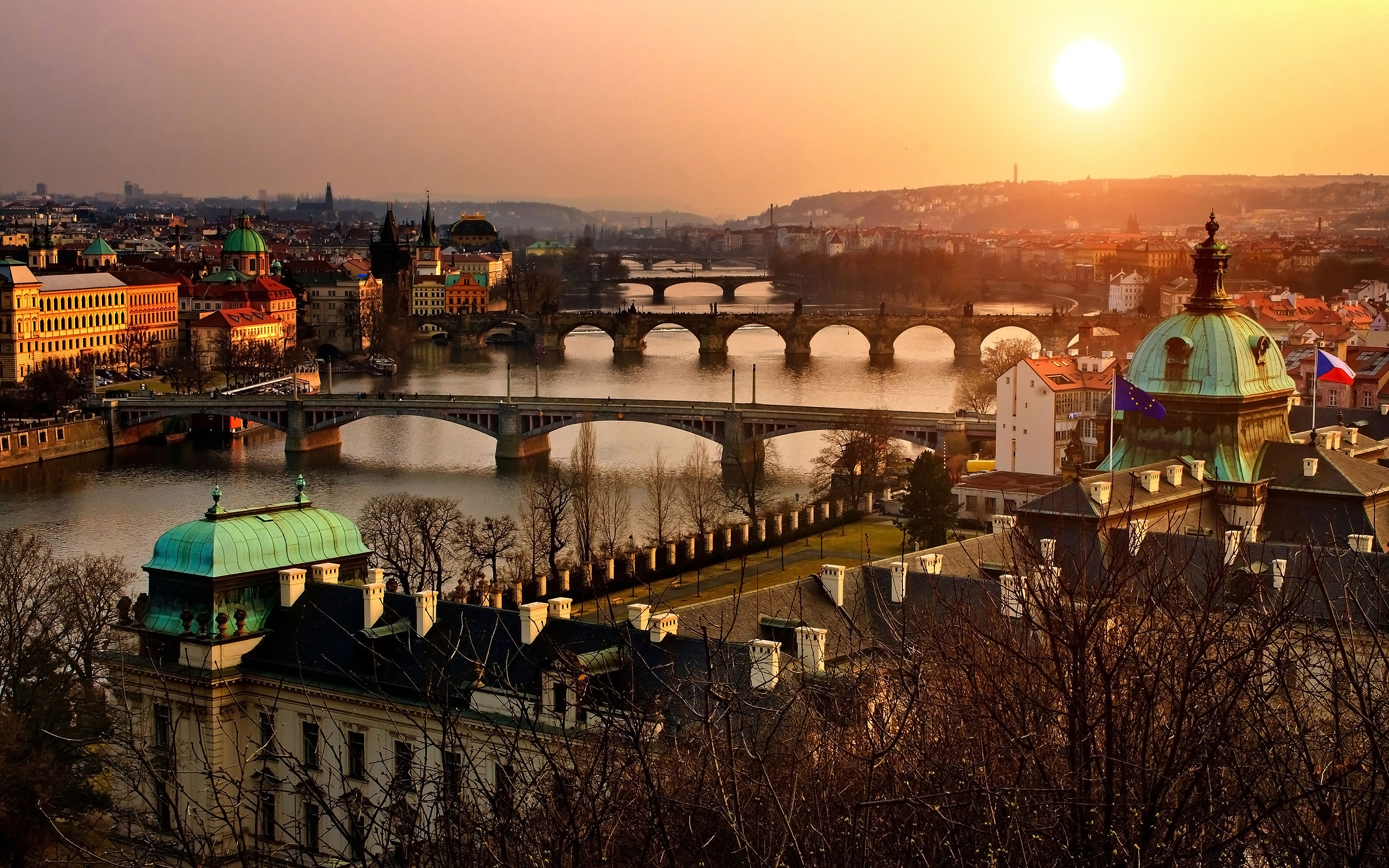 Prague-Bridges-during-sunset-Czech-Republic
