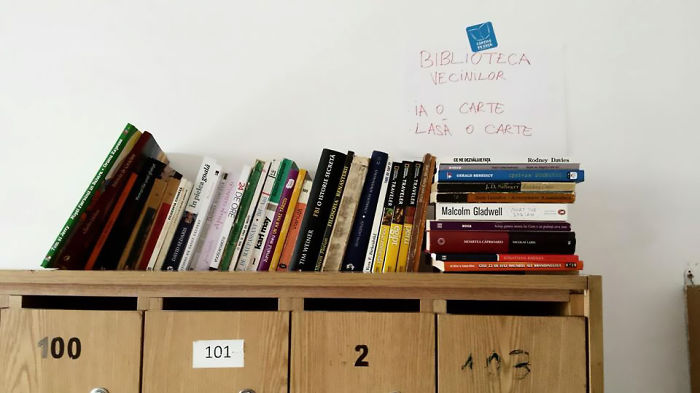 The-neighbours-library-or-how-to-promote-reading-and-get-to-know-your-neighbours-in-the-same-ti10__700