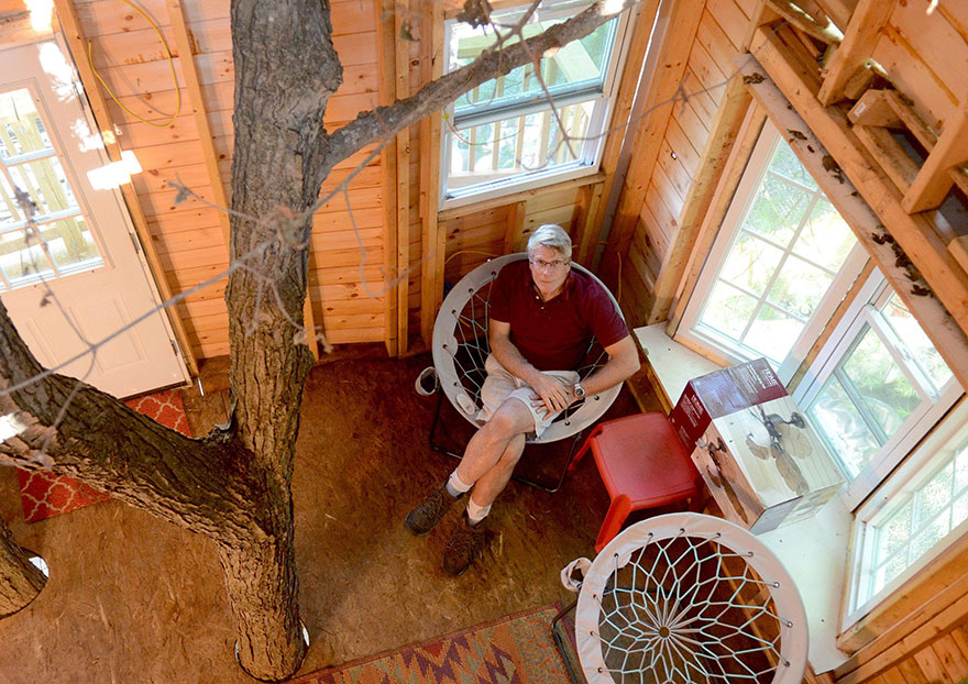 tree-house-three-stories-jay-hewitt-massachusetts-1