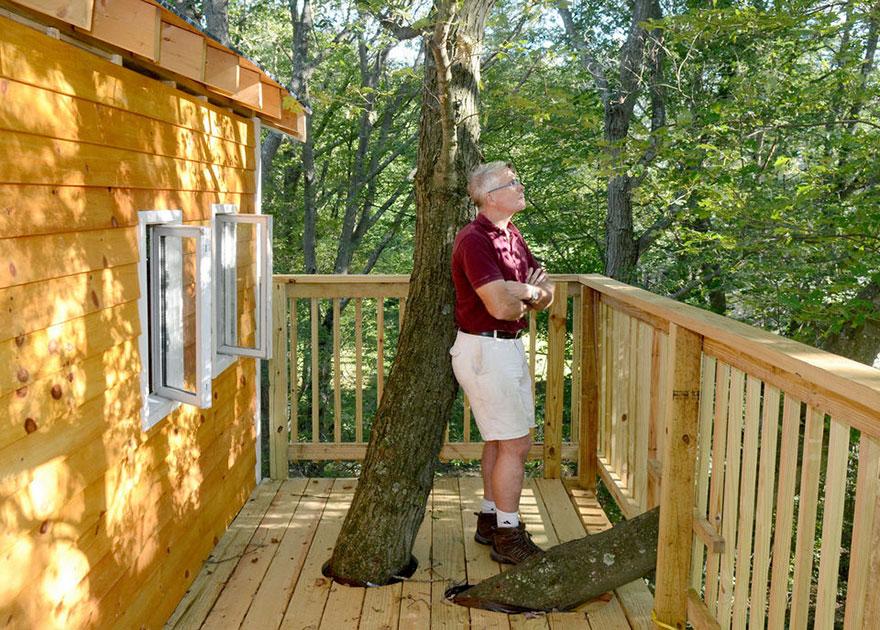 tree-house-three-stories-jay-hewitt-massachusetts-2