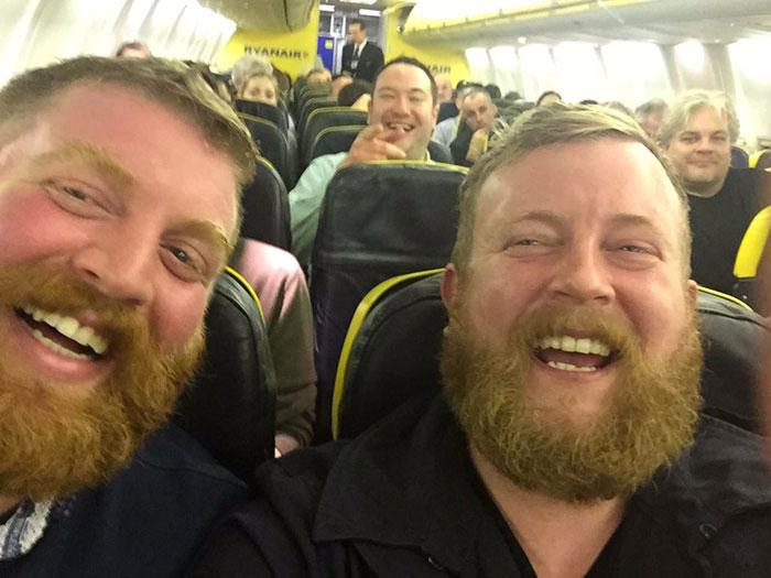 bearded-men-lookalikes-doppelgangers-aeroplane-flight-neil-douglas-robert-stirling-1