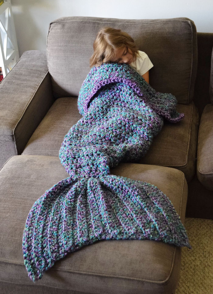 crocheted-mermaid-tail-blankets-melanie-campbell-3