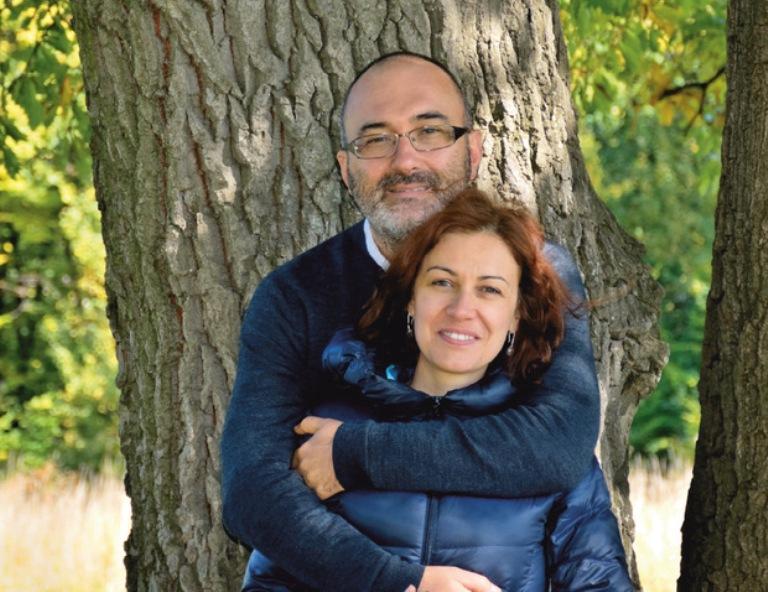 """Създателите на """"Разходки из Лондон"""" за живота в английската столица и изграждането на българско общество там"""