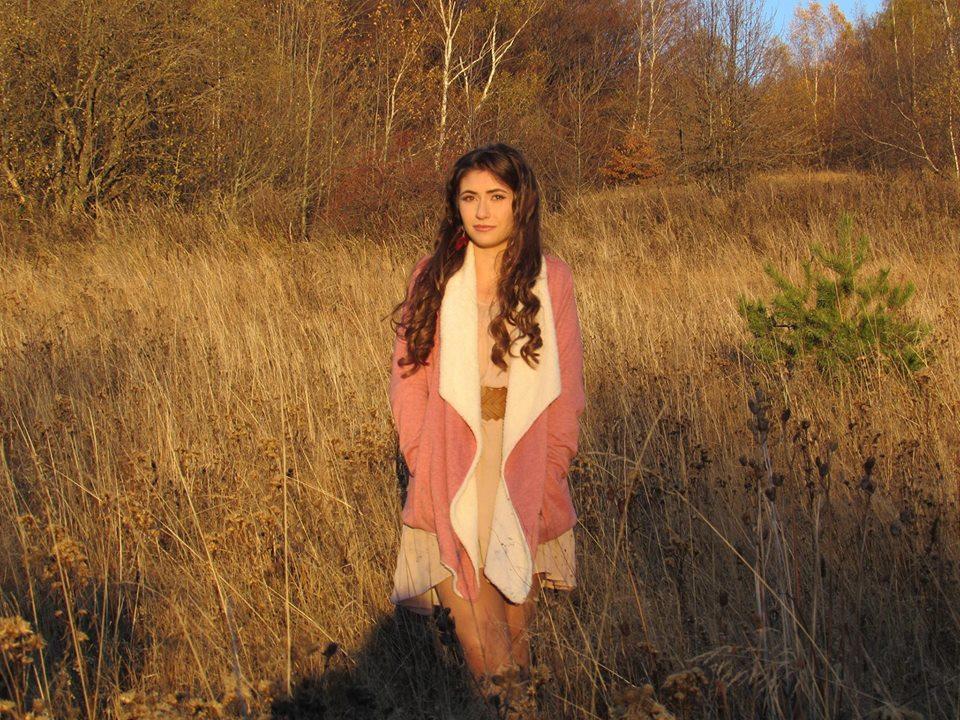 Младата изпълнителка Ния Велкова: Когато човек иска нещо много силно, рано или късно то се получава