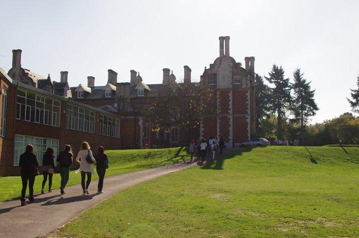 Средно образование във Великобритания: Говори Ралица Сливкова