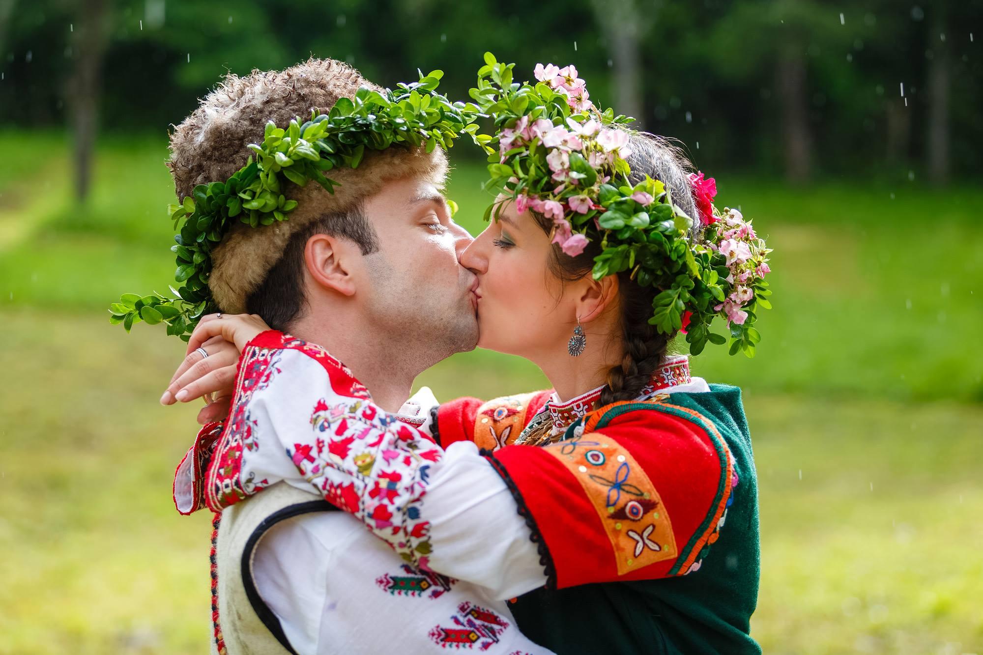 Българската традиционна сватба в сегашно време