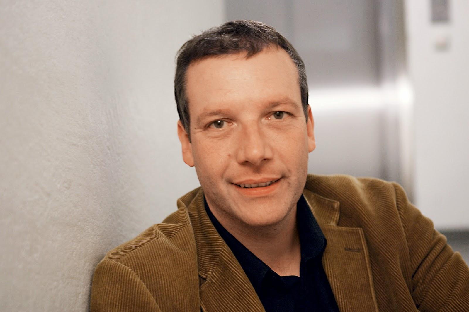 Щефан Фьогел – драматургът, превърнал забавлението в своя професия