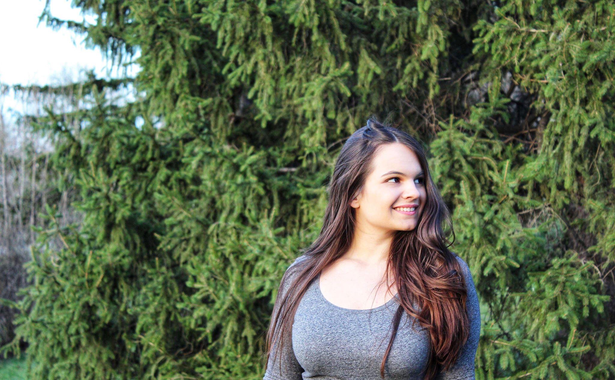 Цвета Тодорова за поетичния си дебют под редакцията на Георги Бърдаров