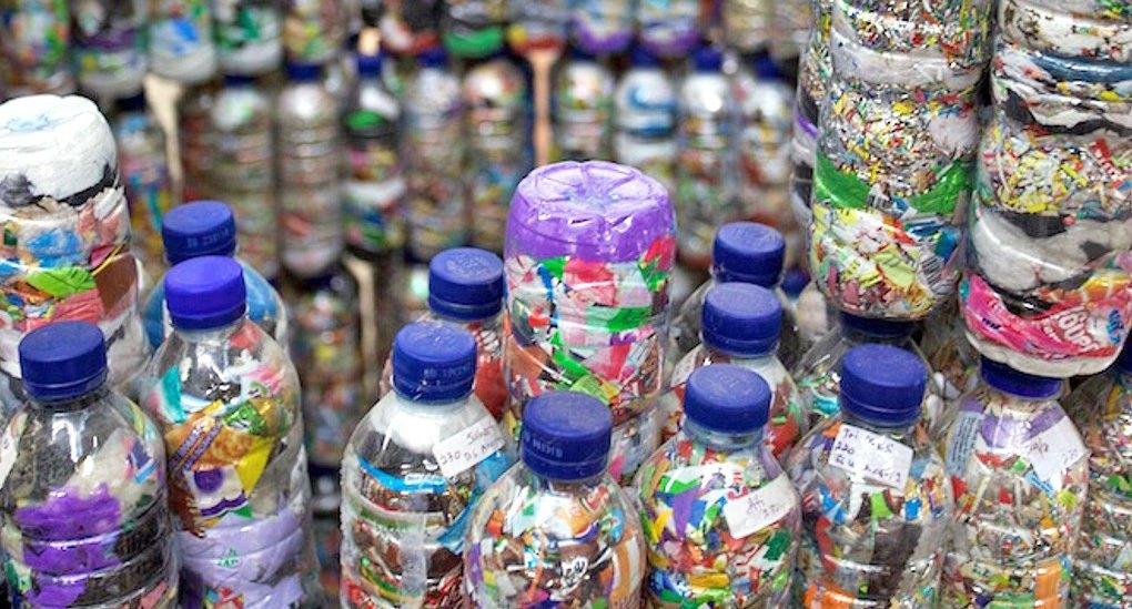 Ecobricks – пластмасовите отпадъци се превръщат в строителни материали