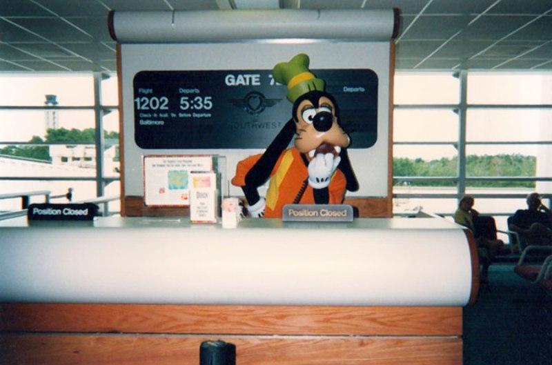 Трогателна история от човека, работил 20 години като Гуфи в Disney World