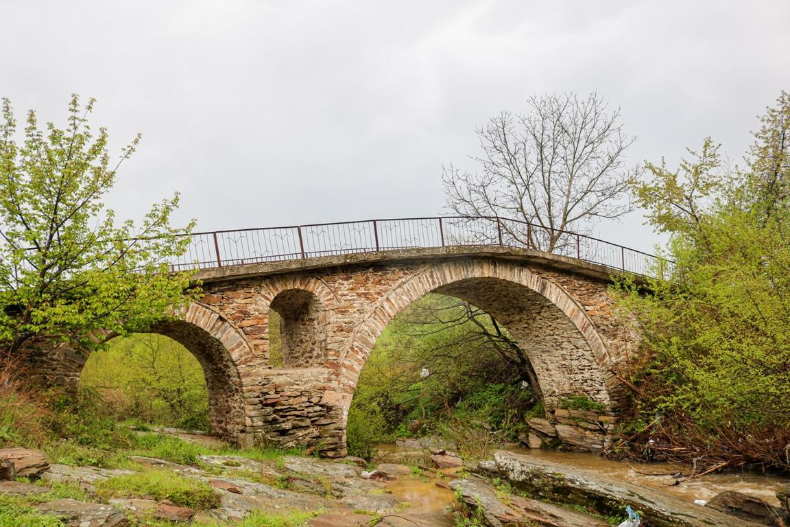 Село Тихомир в прегръдките на Родопите