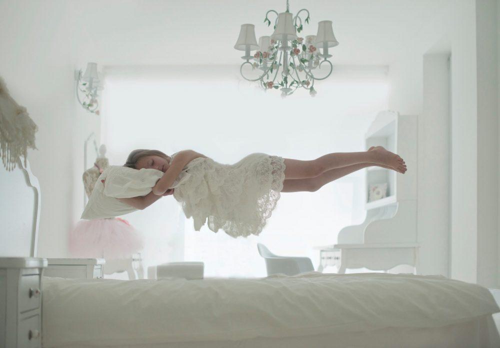 Елена Карагьозова: Фотографията ме пренася в друго измерение с машината на времето – фотоапарата