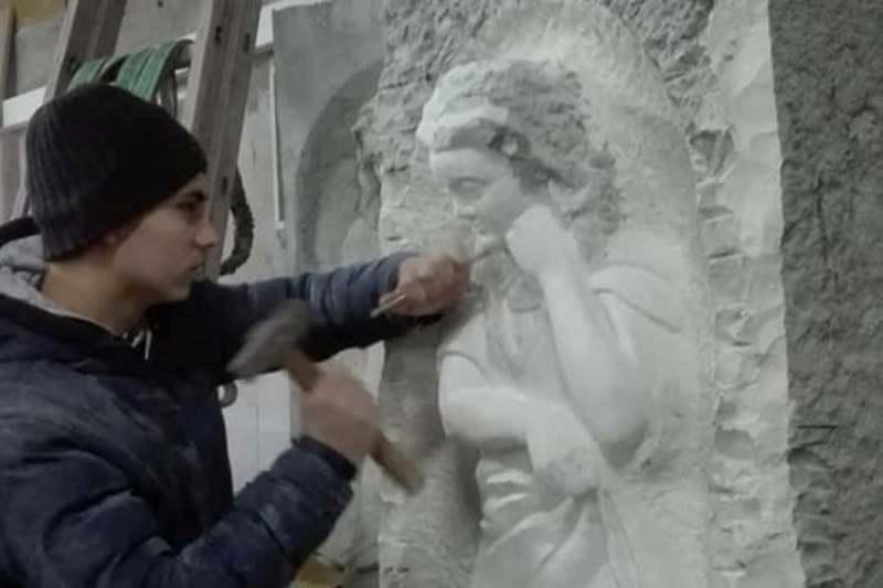 18-годишно момче построи паметник на българските опълченци
