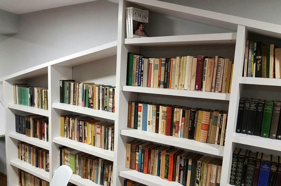 """Книги в облаците"" – красивата библиотека на хижа ""Плевен"""