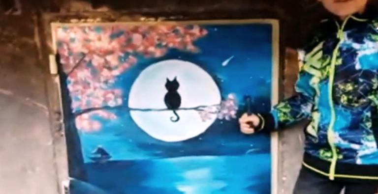 10-годишен художник преобразява трафопостове във Велико Търново